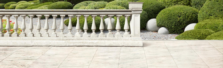 Table de jardin en marbre ou granit - marbrerie Suisse
